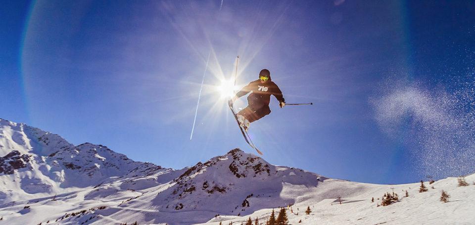 Sweat noir et montagne ski 7lo